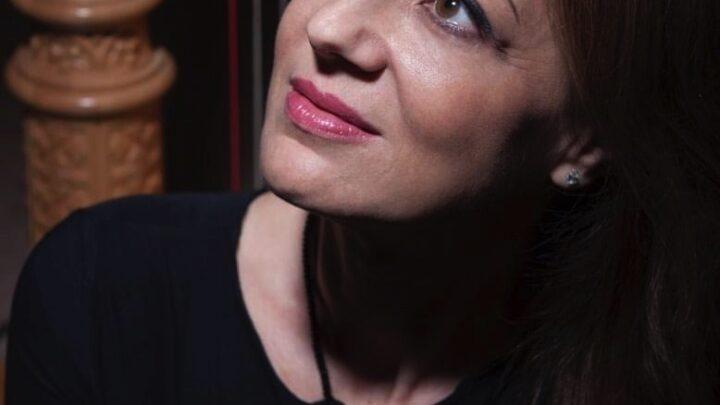 Uno spritz con GIUSEPPINA CIARLA eccezionale artista, vita e curiosità partendo da A TICKET HOME